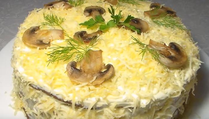 торт из куриной печени с грибами