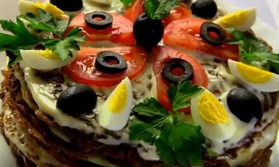 печёночный торт с помидорами