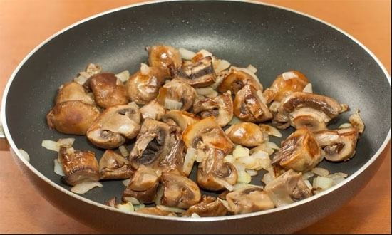fry mushrooms with onions