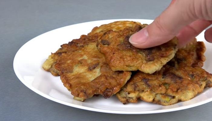 готовые оладьи из печени