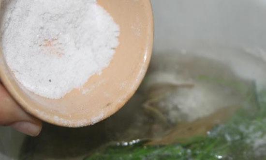 насыпать соли