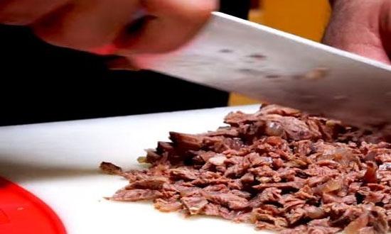 Нарезать говядину