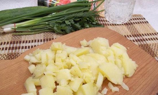 Картошку нашинковать
