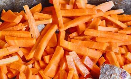 добавляется морковь