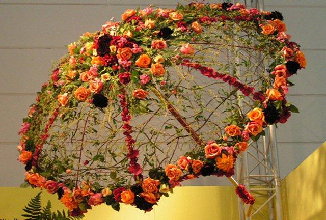 старый зонтик для цветов