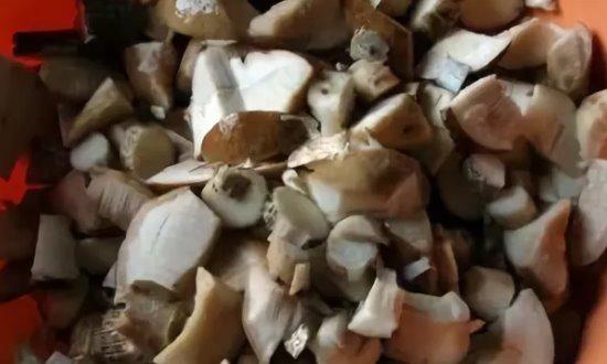Режем грибы