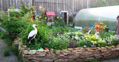 Как украсить двор частного дома своими руками — идеи из ненужных вещей