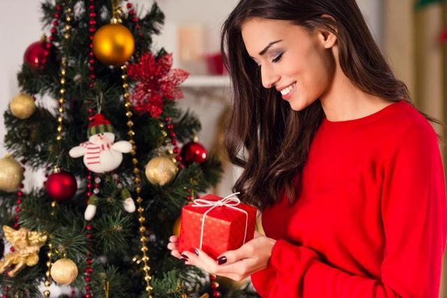 Что подарить жене на Новый 2019 год | идеи подарков в 2019 году