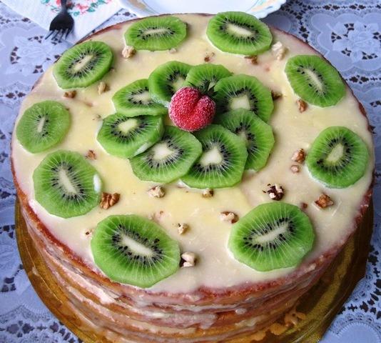 4-tort-kivi Как красиво украсить торт в домашних условиях