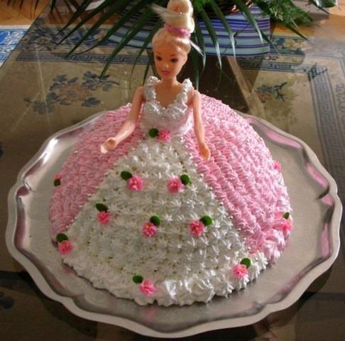 торт с куклой