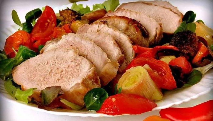 Свинина запечённая в духовке с овощами