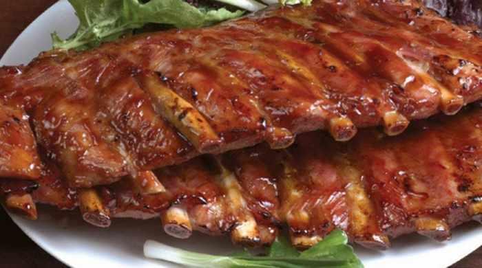 Свиные рёбрышки, запечённые в духовке по-домашнему — 7 простых рецептов приготовления
