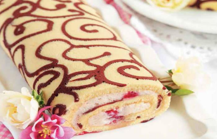 Бисквитный торт-рулет