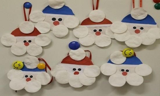 Дед мороз из цветной бумаги и ватных дисков