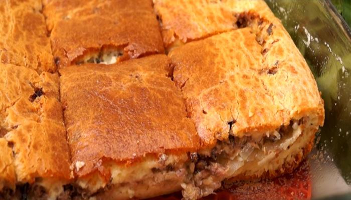 Готовый пирог с рыбой и картошкой