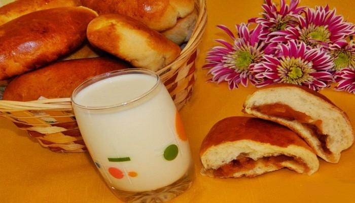 Рецепты приготовления сладких пирожков с вареньем в духовке и на сковороде