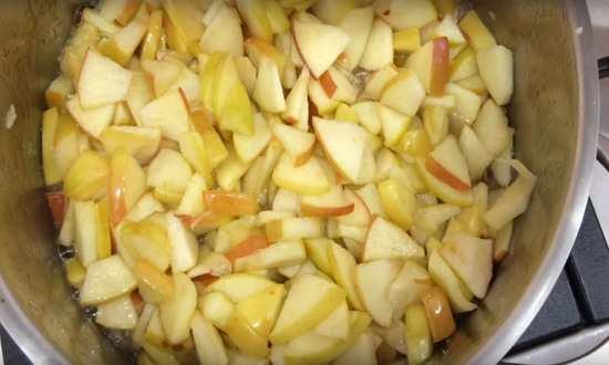 проваренные яблоки