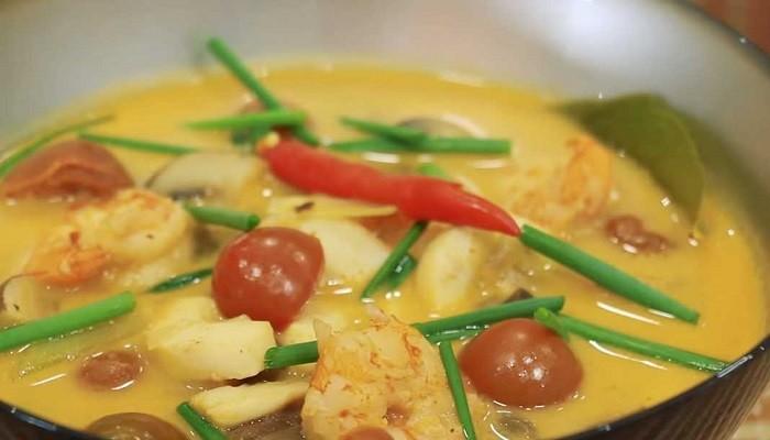 Суп Том Ям с кокосовым молоком