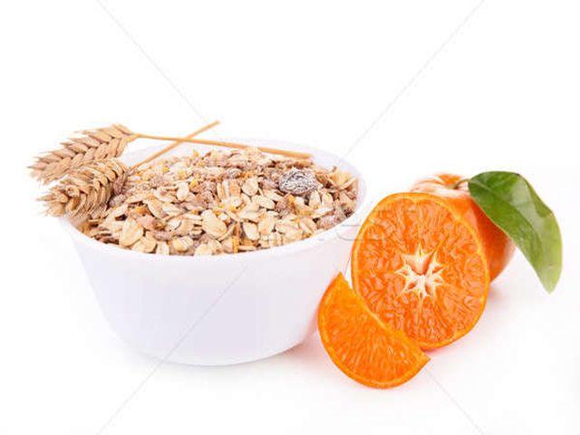 мюсли из полбы и апельсинов