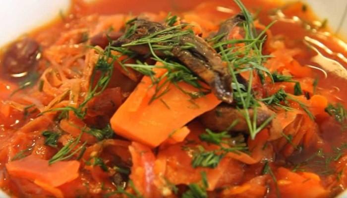 Борщ с фасолью и грибами без мяса