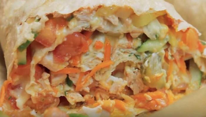Шаурма с курицей и сыром