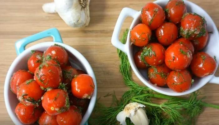 Суточные малосольные помидоры в пакете
