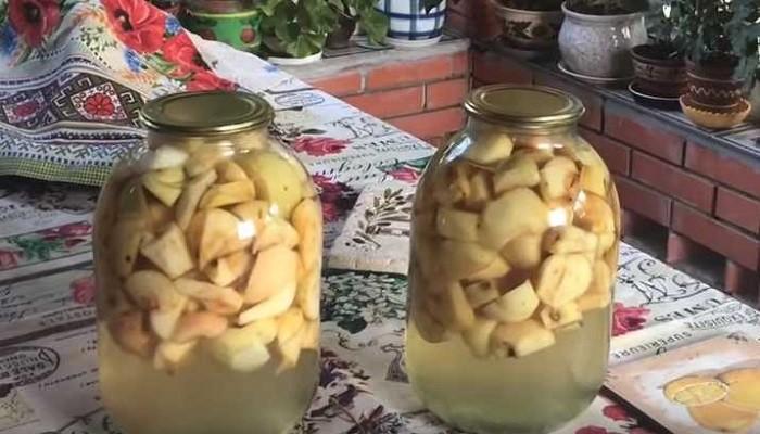 Простой рецепт яблочного компота на зиму