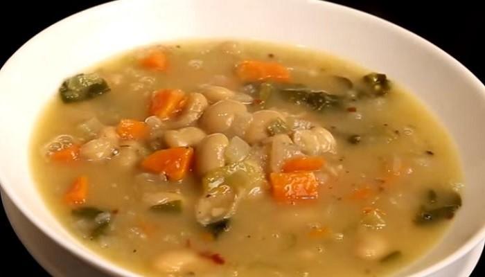 Быстрый и очень вкусный фасолевый суп