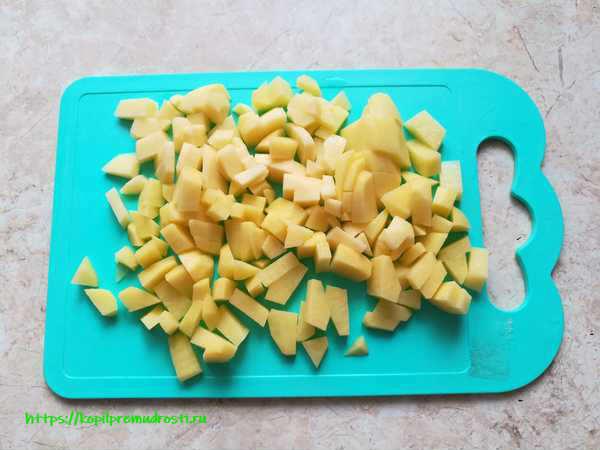 нарезанная картошка