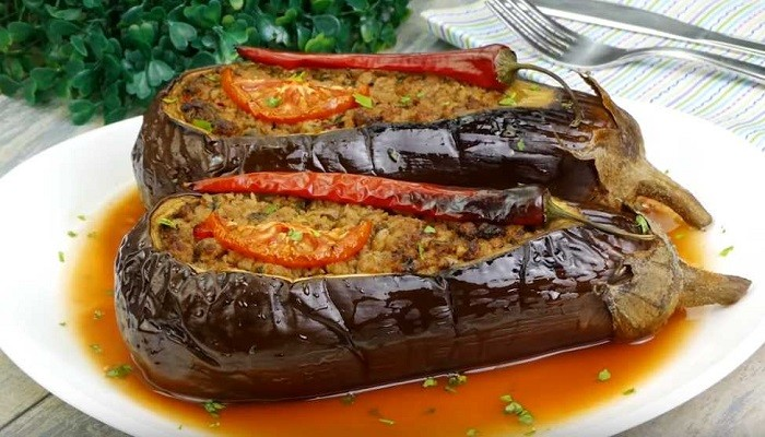 Баклажаны по-турецки, фаршированные мясом