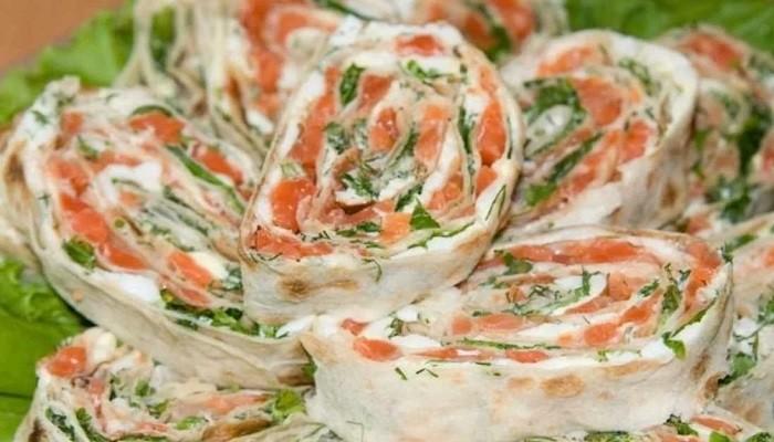 Закуска в лаваше с красной рыбой