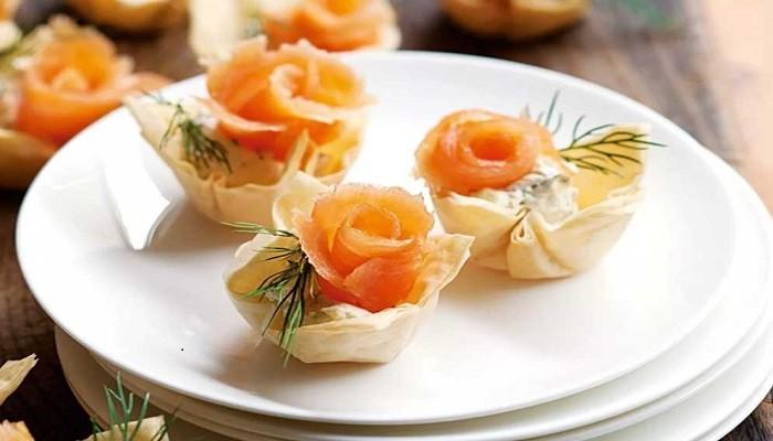Закуска из красной рыбы с творожным сыром