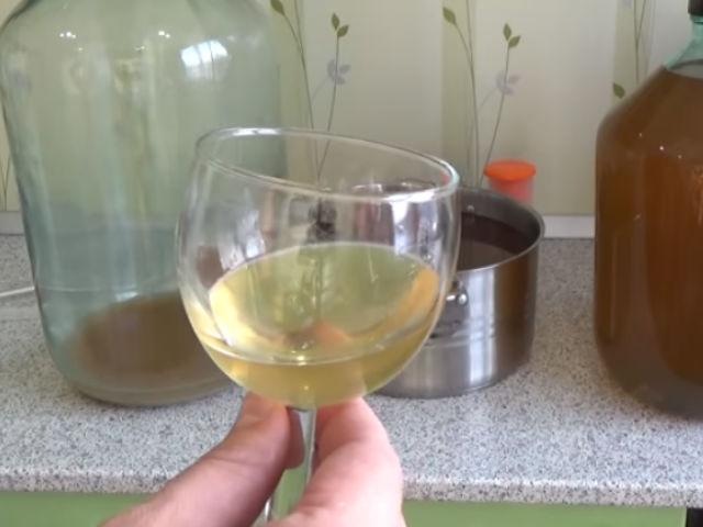 вино в бутыле