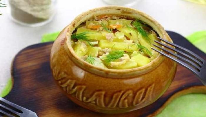 Картошка с фаршем в горшочках в духовке