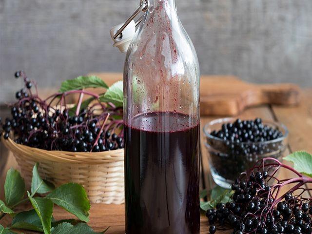ликер из черноплодной рябины в бутылке