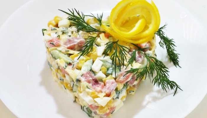 Салат из горбуши со свеежим огурцом