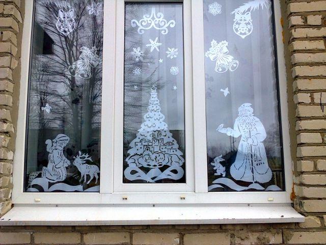украшенное окно