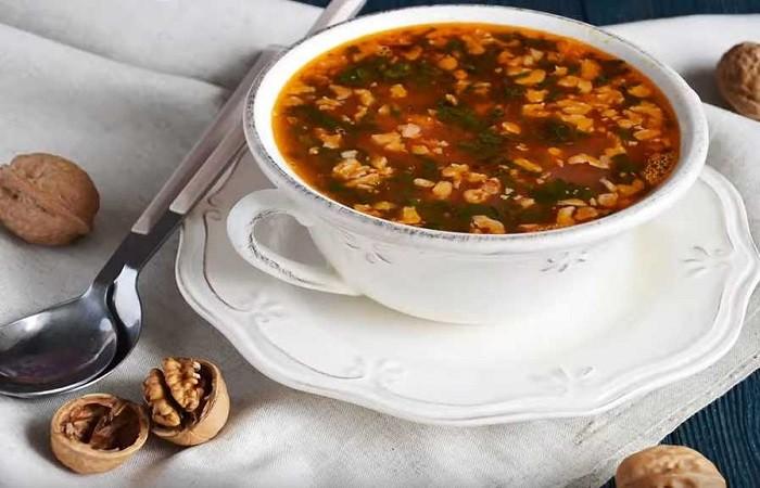 Суп харчо с курицей и рисом