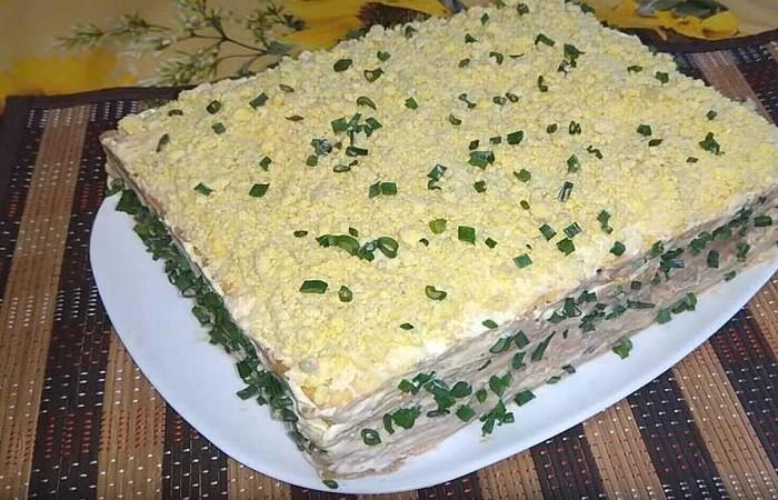 Рыбный торт-пирог с консервами