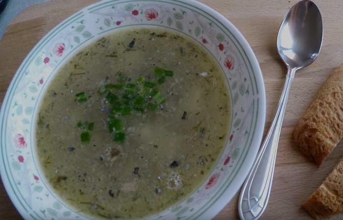 Рыбный суп с консервированной сайрой и рисом с картошкой