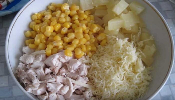 приготовленные ингредиенты в миске
