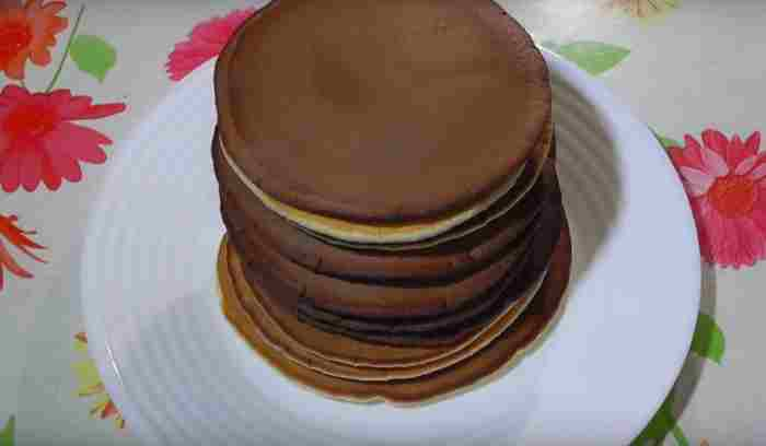 Пышные шоколадные панкейки
