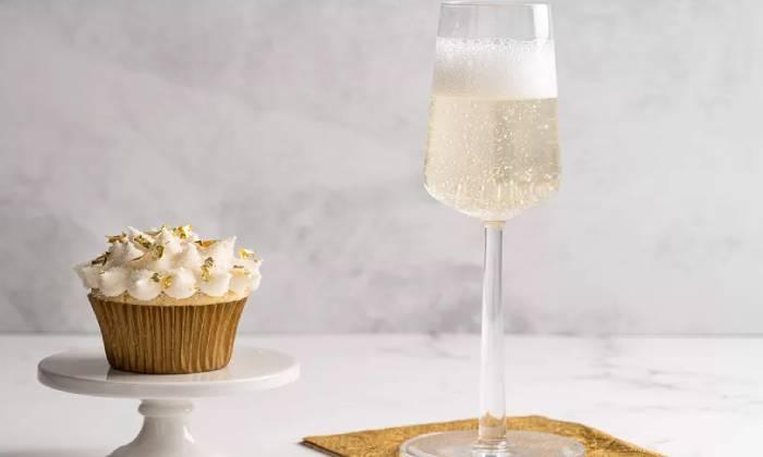 кекс с шампанским